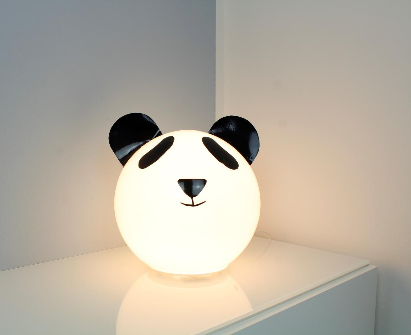 diy kinderzimmer lampe pandab r eine niedliche lampe f r die kleinen. Black Bedroom Furniture Sets. Home Design Ideas