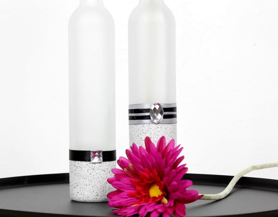 Wunderschöne-Vasen-aus-alten Flaschen