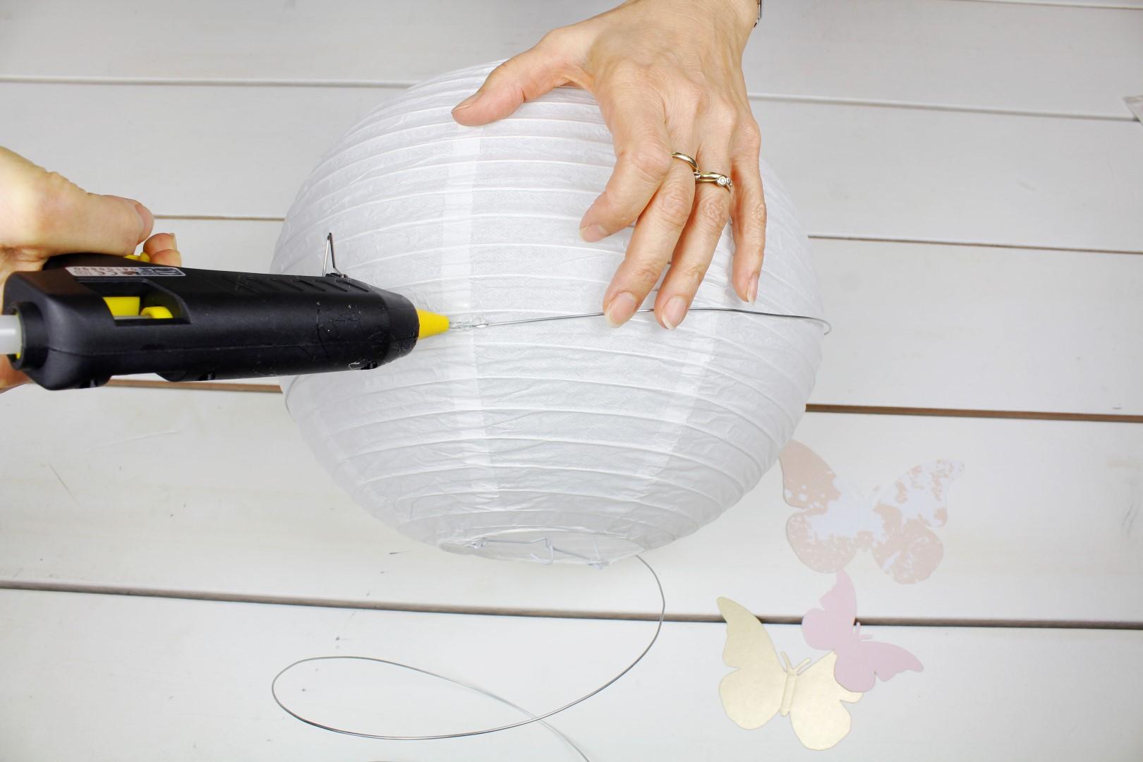 DIY-Kinderzimmerlampe-Schmetterling